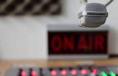 AFTER OFFICE:  La radio sigue vivita y coleando
